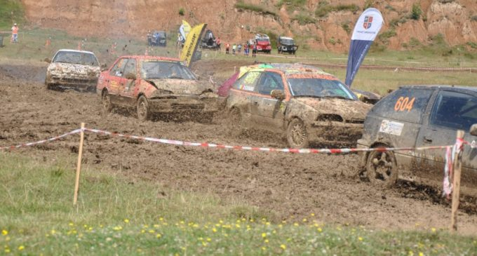 O mulțime de suprize la Cupa Câmpulung Muscel la Rallycross