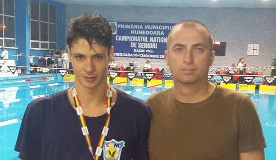 """Alte 10 medalii pentru piteșteni la """"Naționalele"""" de natație"""