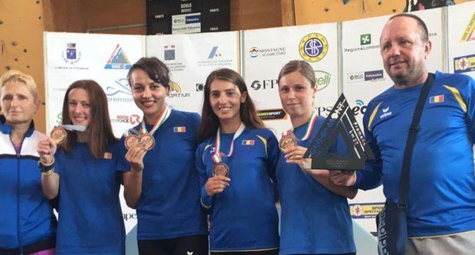 Denisa Dragomir, bronz la individual si cu echipa, la mondialul de alergare montană