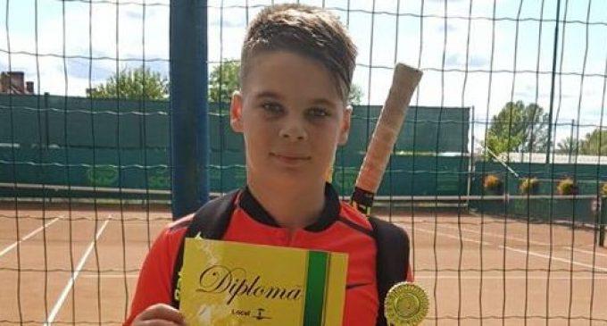 Medalii la tenis de câmp pentru CS Dacia Mioveni