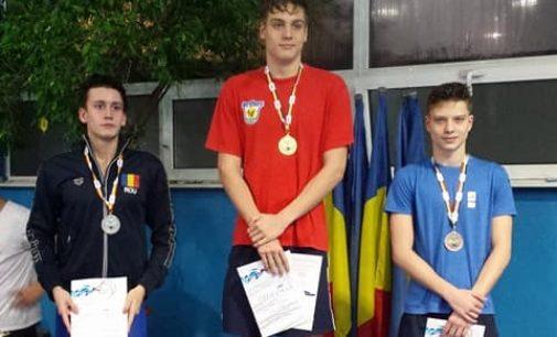 Două recorduri naționale pentru înotătorii piteșteni în prima zi a Naționalelor