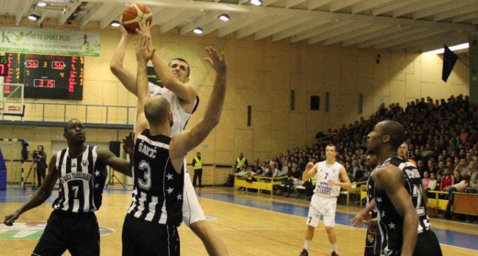 Campioana câștigă la Pitești în ultimele secunde: 81-82, rezultat viciat de arbitri