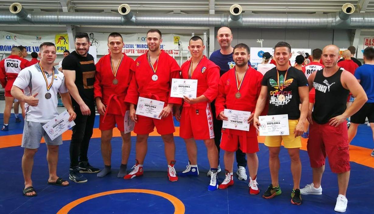 CSM Pitești a cucerit 7 medalii la naționalul de sambo rezervat seniorilor