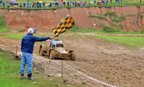 Spectacol extrem la competiția de Rallycross desfășurată la Câmpulung