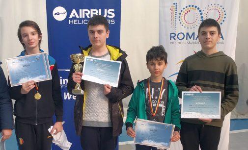 Aeromodeliștii argeșeni au dominat campionatul național de aeromodele de interior