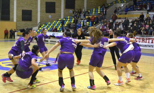 FC Argeș s-a calificat în optimile Cupei României Fan Courier la handbal feminin