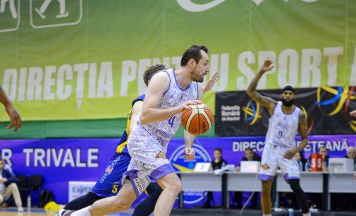 Final palpitant în Sala Trivale, BCMU FC Argeș pierde în prelungiri cu CSU Sibiu: 74-78