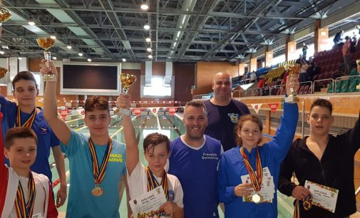 """Concursul de natație """"Cupa Lalelelor"""" a fost câștigat de înotătorii de la CSM Pitești"""