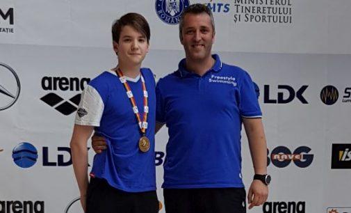 Mihai Iacob, aur la 400 m mixt juniori și seniori, în cea de-a doua zi a Internaționalelor României