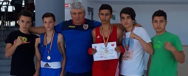 Box | 3 medalii obținute de sportivii CSM Pitești la Cupa României