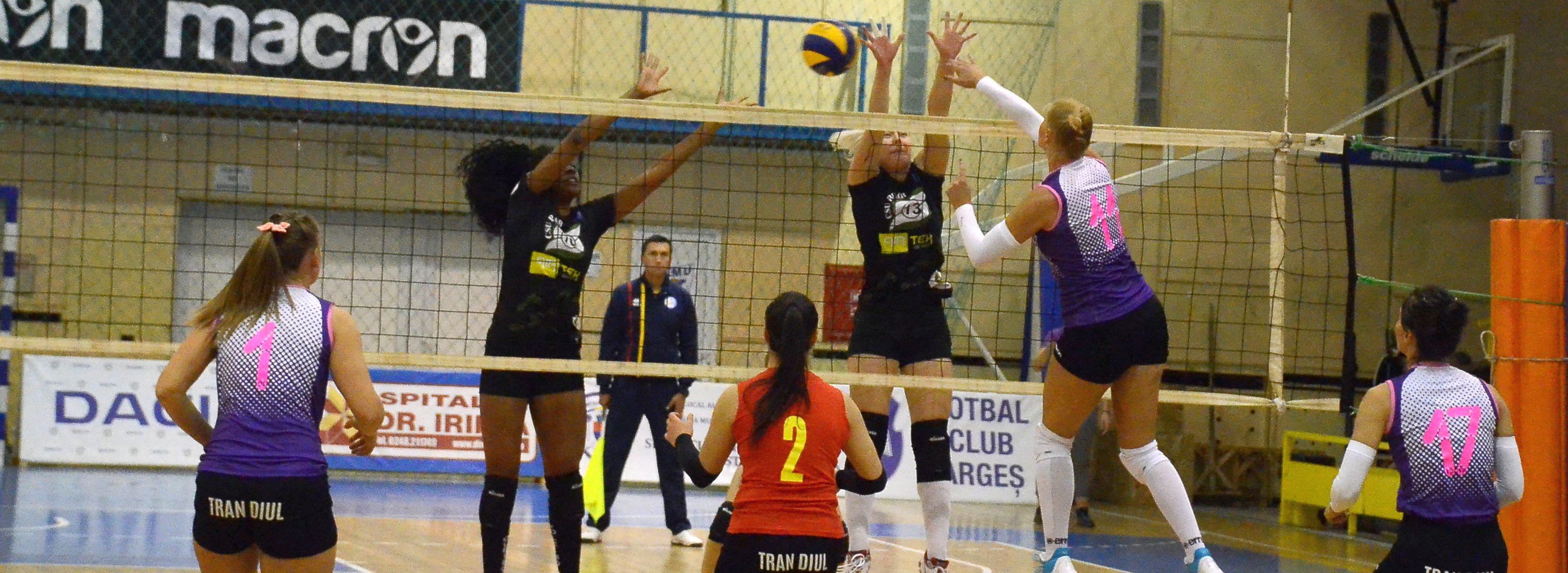 FC Argeș – CSU Belor Galați 0-3, în runda cu numărul doi din divizia A1 la volei feminin