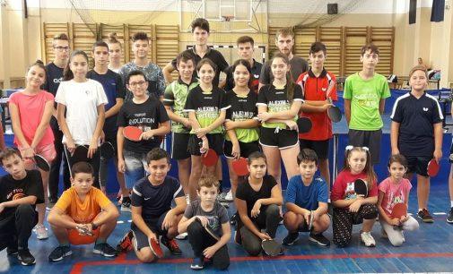 La Pitești s-a derulat o interesantă competiție de tenis de masă
