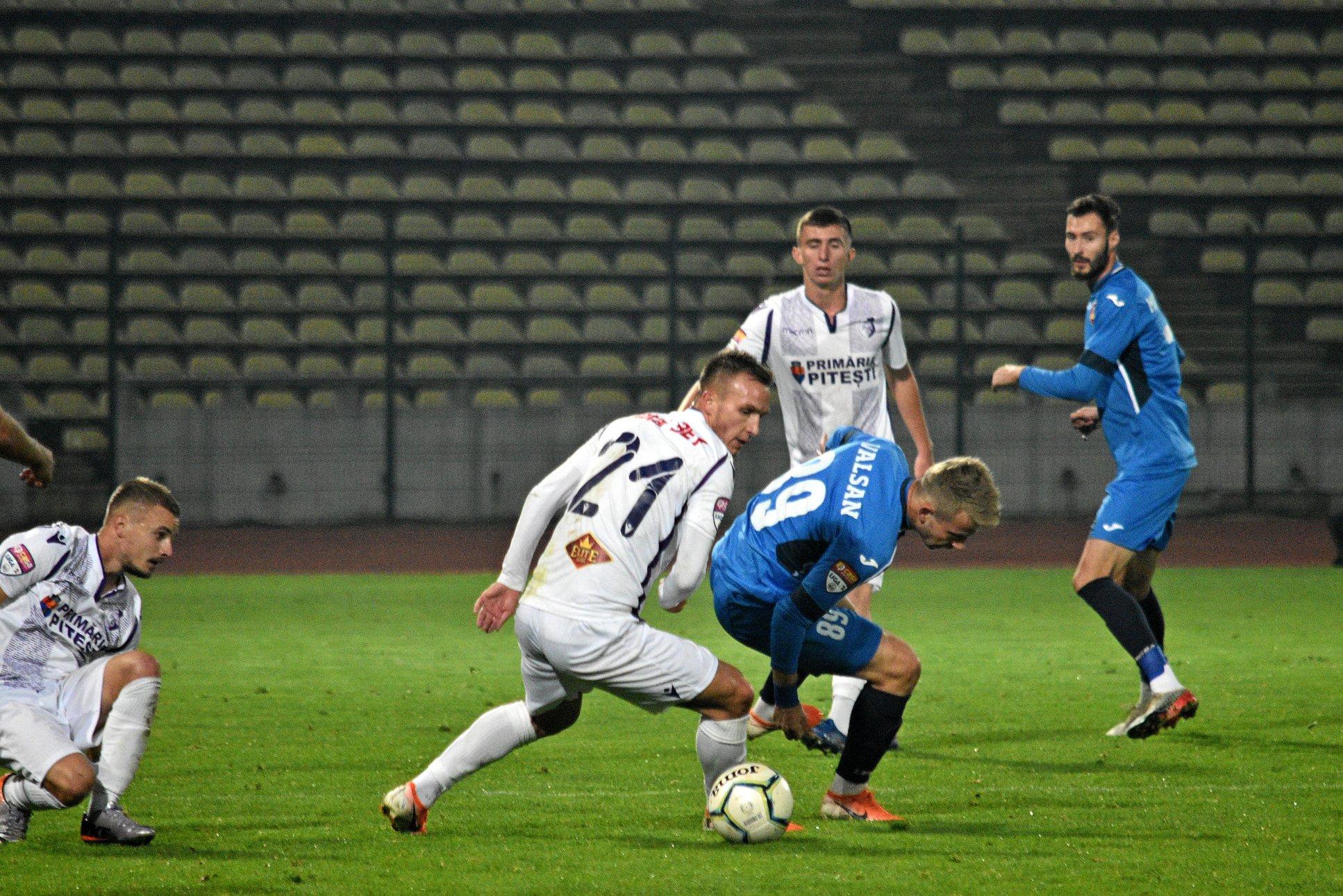 Mâine se joacă restanța FC Argeș-CSM Resița