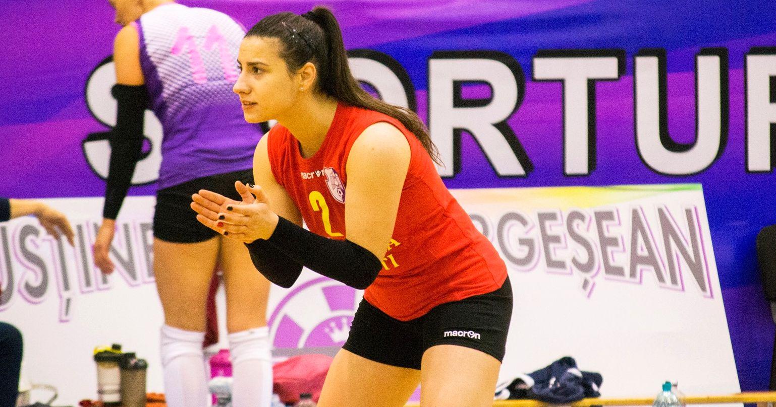 Roxana Ţucmeanu, singura voleibalistă de la FC Argeş evidenţiată în statisticile FR Volei după prima parte a sezonului