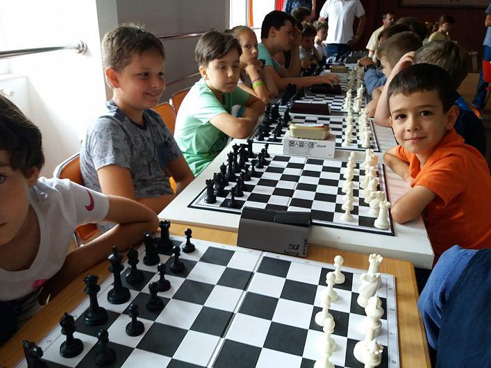 ȘahMAT – un concurs pentru copiii sub 12 ani