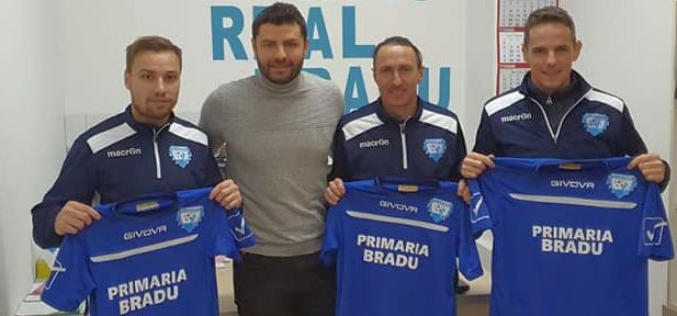 Liga 4 | Real Bradu i-a transferat pe Cosmin Năstăsie, Roberto Ayza şi Andrei David