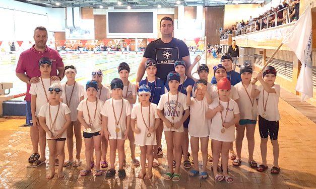 CS Dacia Mioveni 2012 a câștigat 16 medalii la Cupa Mărțișor la înot