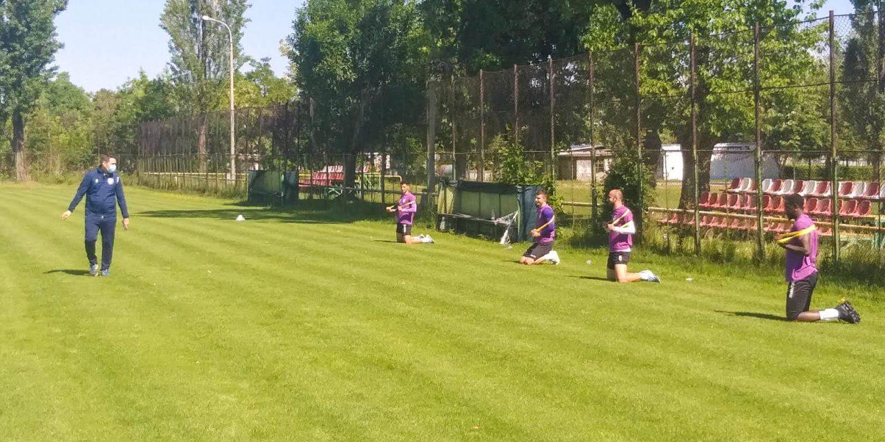 Fotbaliştii de la FC Argeş au revenit la pregătire după o pauză de două luni