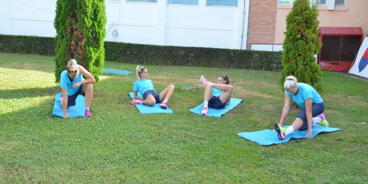 În așteptarea testării pentru Covid-19, voleibalistele de la FC Argeș se antrenează la stadion