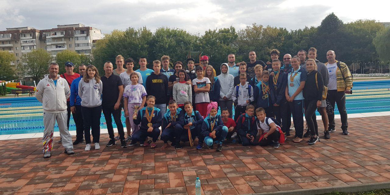Înotătorii de la CSM Piteşti au participat la Cupa Sprint, ediţia a X-a