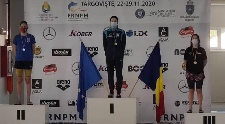Emilia Surugiu (CSM Pitești) a câștigat 5 medalii de aur la Naționalele de natație – cadeți