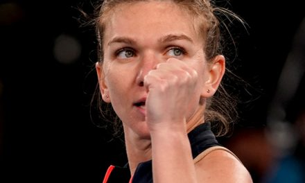 Simona Halep s-a calificat în sferturile de finală de la Australian Open. Urmează un meci cu Serena Williams – Cronica sportivă de luni