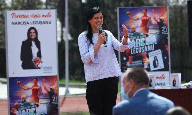 Narcisa Lecuşanu şi-a lansat cartea la Piteşti