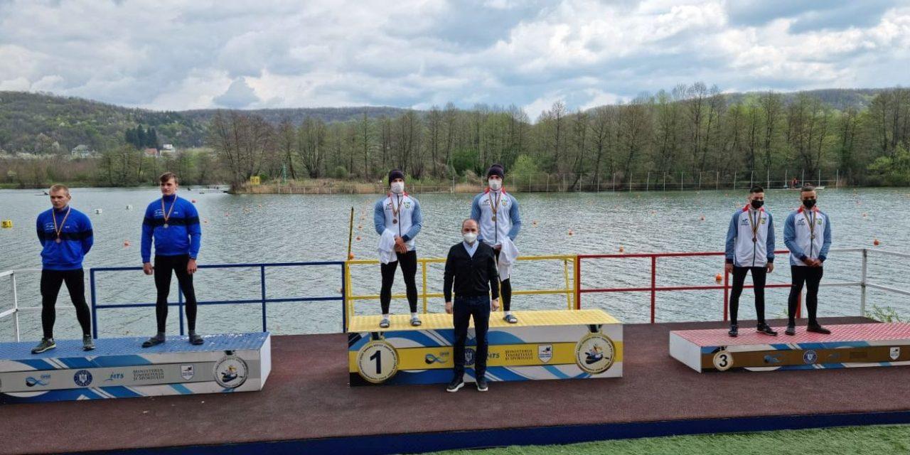 Sportivii secţiei de kaiac-canoe de la CSM Piteşti au început sezonul competiţional