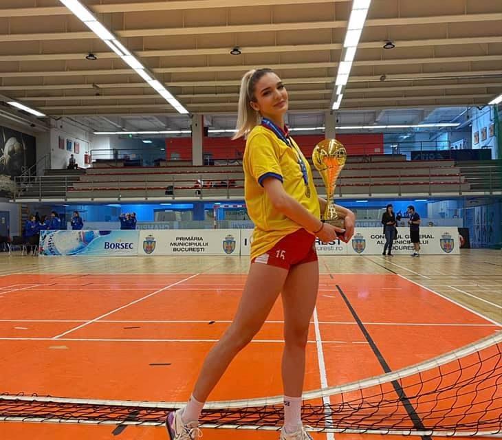 Piteşteanca Briana Constantin, campioană naţională la volei junioare cu Dinamo Bucureşti