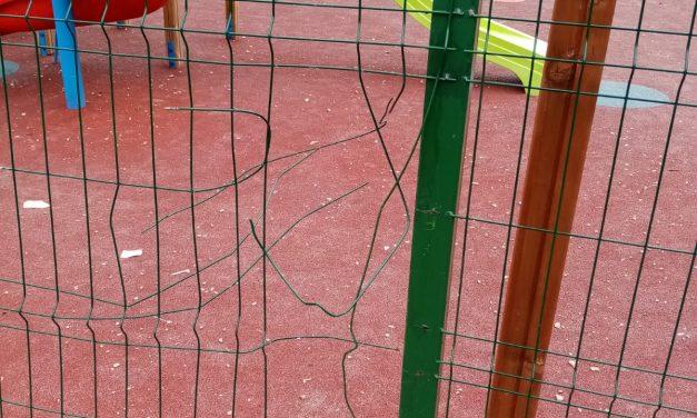 (P) Locul de joacă de la Făget a fost vandalizat