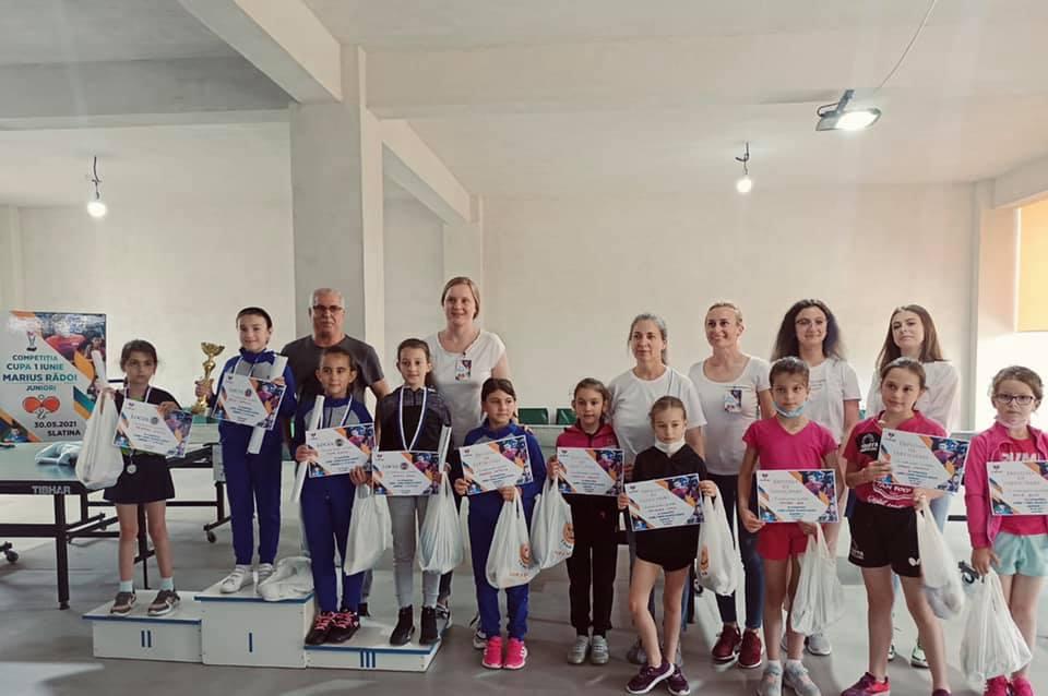 """Jucătorii de tenis de masă de la """"Matei Basarab"""" Pitești s-au evidenţiat la două turnee desfăşurate luna aceasta"""