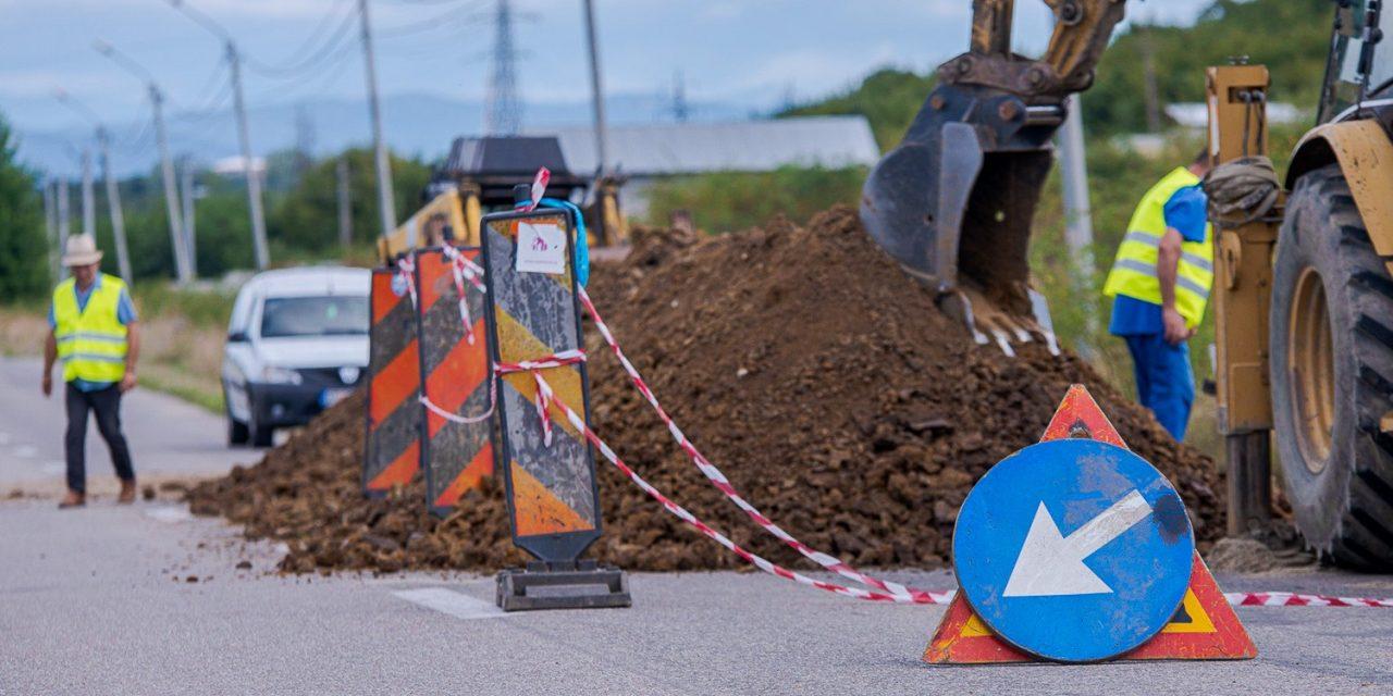 (P) Au început lucrările de extindere a rețelei de apă și canalizare în Făget